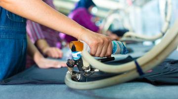 Plancha y Manipulación en Confección Textil. Disponemos un Servicio de Plancha y Manipulación en Confección Textil para tus prendas.