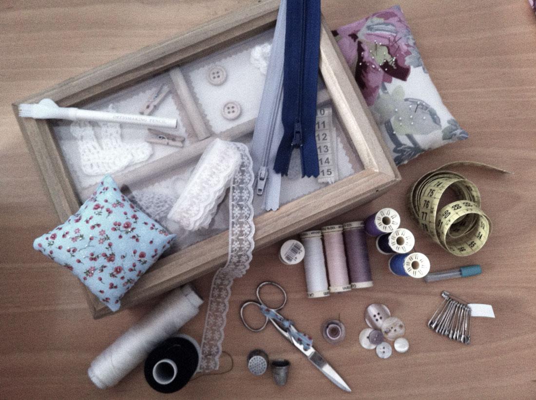 Taller de Costura: El costurero. Descubre la fascinante historia sobre la costura, corte y confección textil. La costura y su historia.